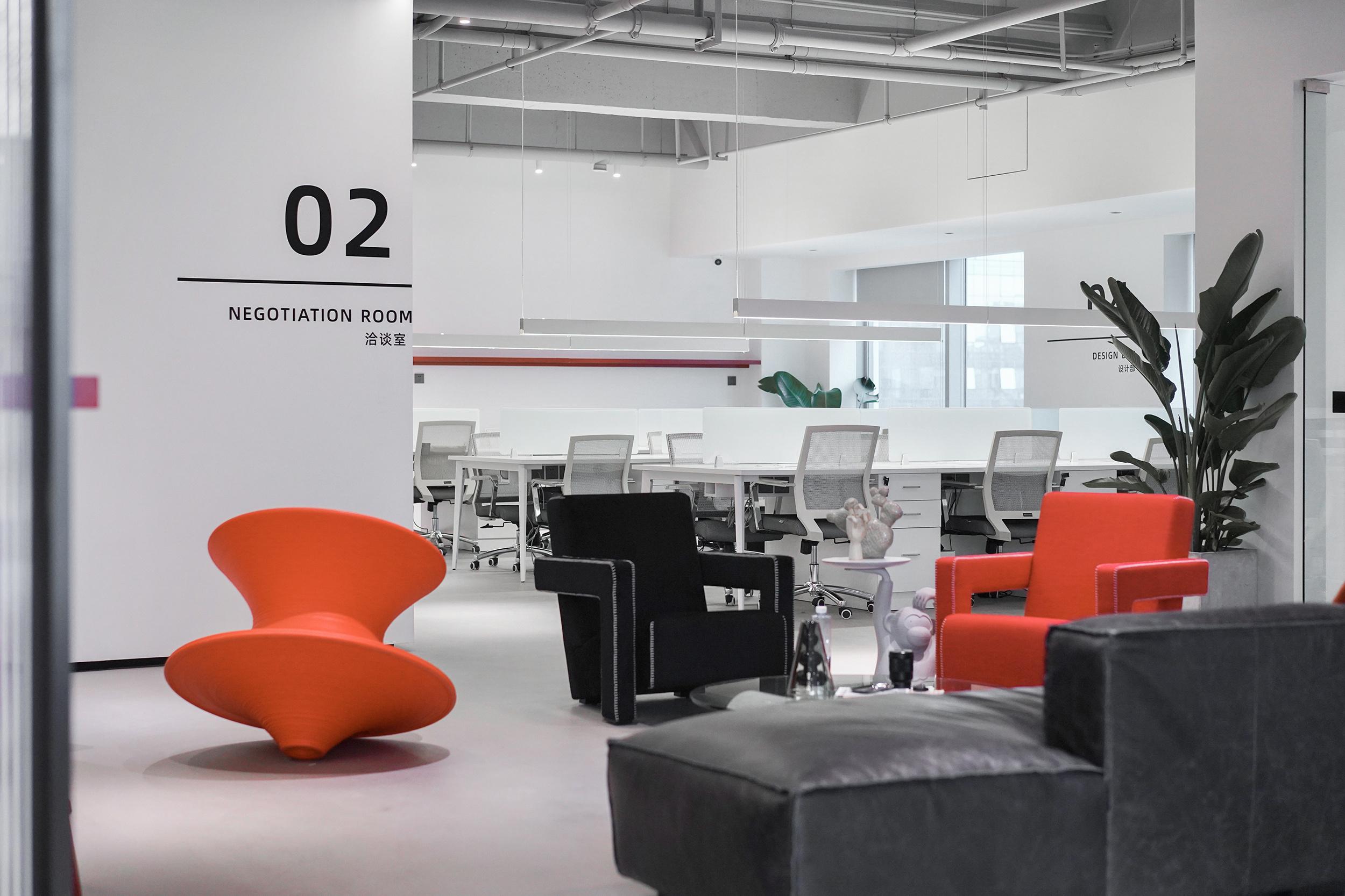 厂房装修中如何选择办公装修家具?
