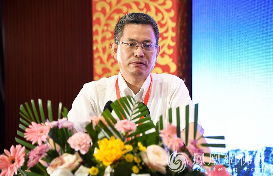 中国社会科学院佛教研究室主任纪华传教授致辞(图片来源:凤凰网佛教 摄影:宋森)