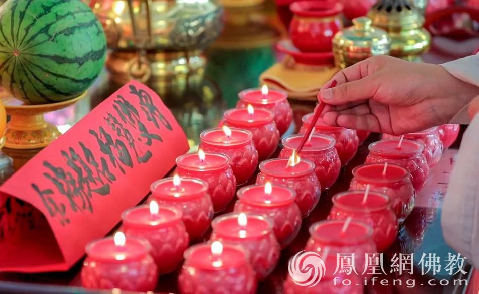 山东博山正觉寺为高考学子祈福