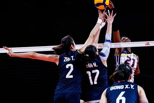 """三连胜!中国女排3-1击败多米尼加,""""朱袁张""""合体,王梦洁低迷"""