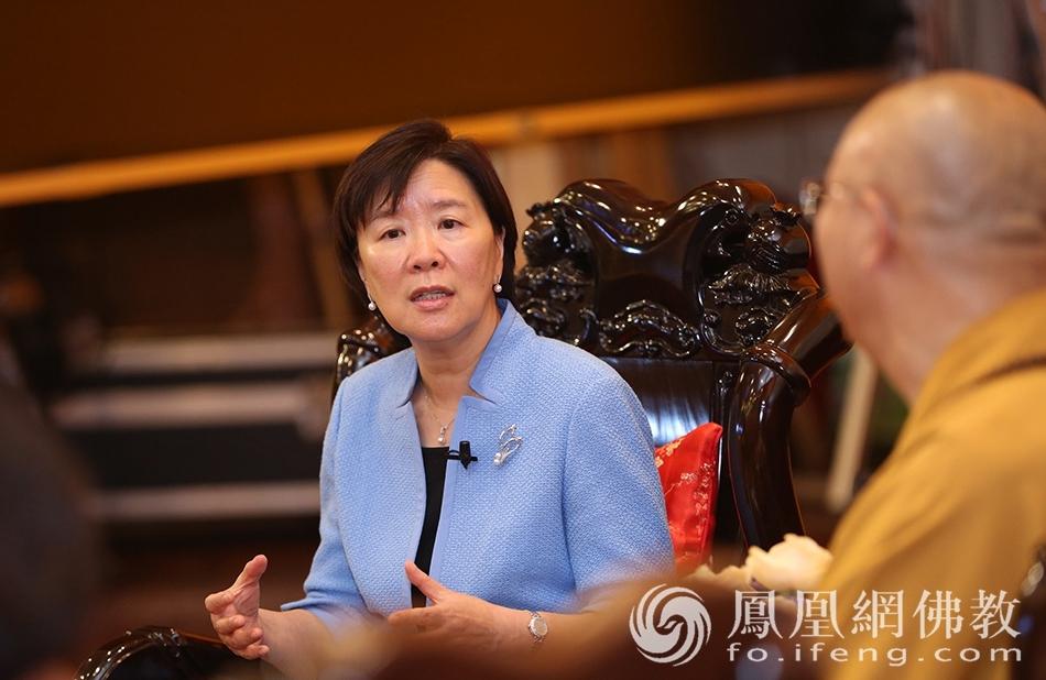 对话现场 (图片来源:凤凰网佛教 摄影:香港佛教联合会)